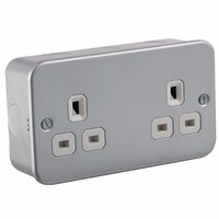 KnightsBridge 13A 2G Twin 230V Metal Clad UK 3 Un-Switched Electric Wall Socket