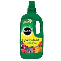 Miracle-Gro Pour & Feed Plant Food - 1 Litre
