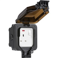 KnightsBridge IP66 13A 1G DP Switched Socket with Neon