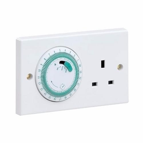 Greenbrook 24 Hour 2 Gang Mechanically Timed 13A UK 3 Pin Socket  - Click to view a larger image