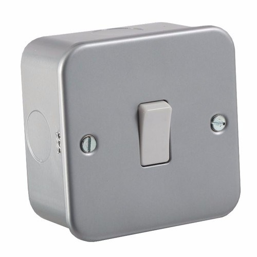 KnightsBridge 10A 1G 2 Way 230V Metal Clad Wall Switch Plate KnightsBridge Metal Clad 10A 2 Way 1 Gang Switch  - Click to view a larger image