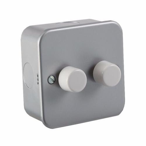 KnightsBridge 60-400W 2G 2 Way 230V Metal Clad Electric Dimmer Wall Switch KnightsBridge Metal Clad 2 Way 2 Gang 60 - 400W Dimmer Switch - Click to view a larger image