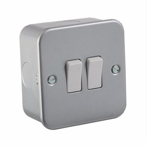 Knightsbridge 10A 10 Amp 1G 1 Gang Intermediate Light Lamp Bulb Switch Plate