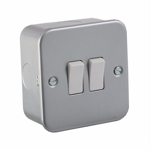KnightsBridge 10A 2G 2 Way 230V Metal Clad Electric Wall Plate Switch KnightsBridge Metal Clad 10A 2 Way 2 Gang Switch - Click to view a larger image