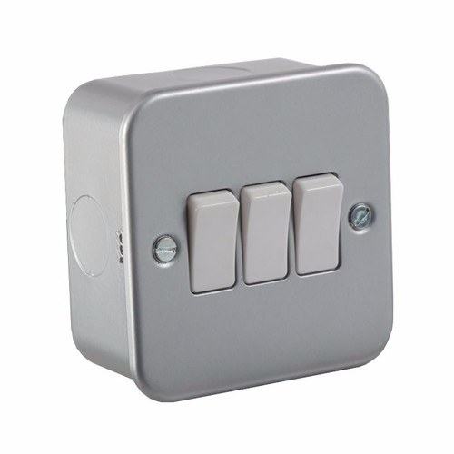 KnightsBridge 10A 3G 2 Way 230V Metal Clad Electric Wall Plate Switch KnightsBridge Metal Clad 10A 2 Way 3 Gang Switch  - Click to view a larger image