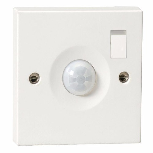 KnightsBridge Ceiling Wall Mounted IP20 Lighting 10A Switched PIR Sensor KnightsBridge Switched Wall Mounted 10A PIR Sensor For Lighting Control  - Click to view a larger image