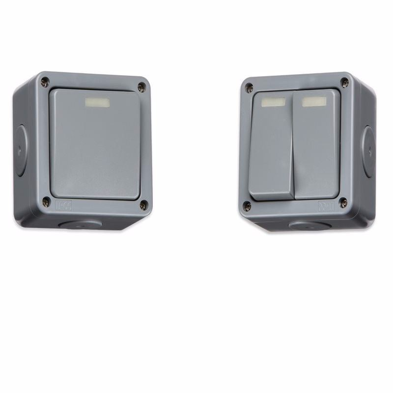 KnightsBridge 10A 2 Way IP66 Weatherproof Outdoor Switch 1