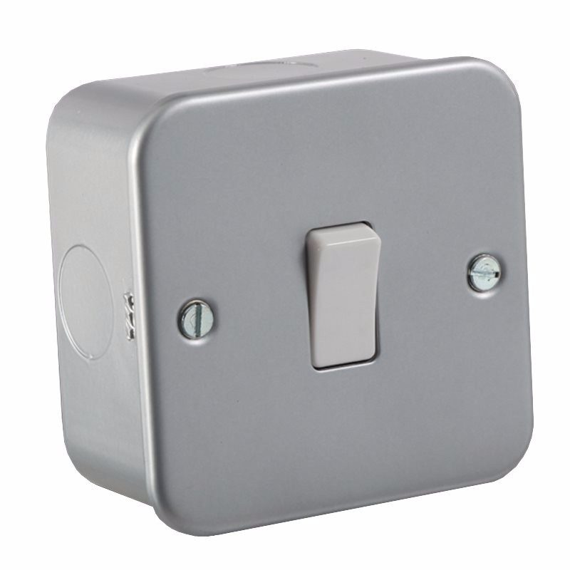 KnightsBridge 10A 1G 2 Way 230V Metal Clad Wall Switch Plate 1